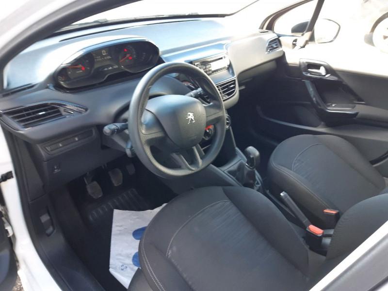 Photo 5 de l'offre de PEUGEOT 208 1.4 HDI FAP ACCESS 5P à 6990€ chez Carlyss automobiles Vitré