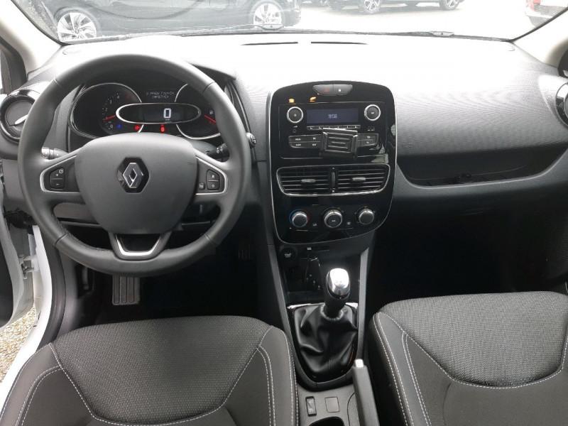 Photo 8 de l'offre de RENAULT CLIO IV ESTATE 1.5 DCI 90CH ENERGY ZEN EURO6C à 11490€ chez Carlyss automobiles Vitré