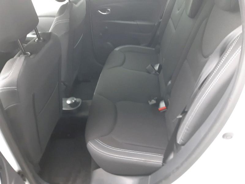 Photo 7 de l'offre de RENAULT CLIO IV ESTATE 1.5 DCI 90CH ENERGY ZEN EURO6C à 11490€ chez Carlyss automobiles Vitré