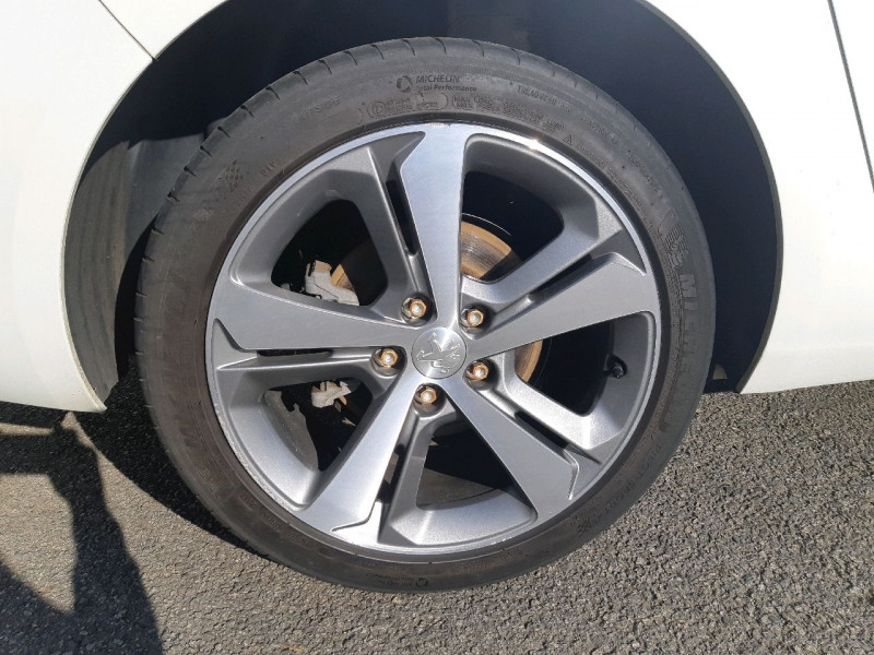 Photo 4 de l'offre de PEUGEOT 308 SW 2.0 BLUEHDI 150CH FELINE S&S à 13990€ chez Carlyss automobiles Vitré