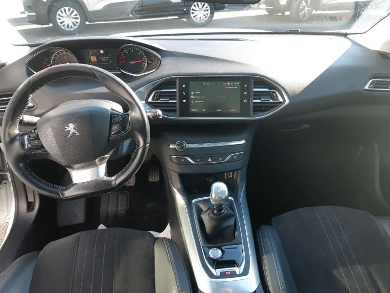 Photo 9 de l'offre de PEUGEOT 308 SW 2.0 BLUEHDI 150CH FELINE S&S à 13990€ chez Carlyss automobiles Vitré
