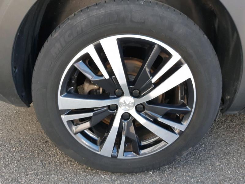 Photo 4 de l'offre de PEUGEOT 5008 1.6 BLUEHDI 120CH ALLURE BUSINESS S&S à 21490€ chez Carlyss automobiles Vitré