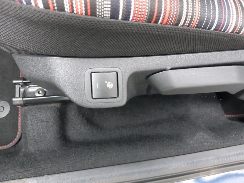 Photo 9 de l'offre de CITROEN C1 AIRSCAPE VTI 68 FEEL 3P à 8290€ chez Carlyss automobiles Vitré