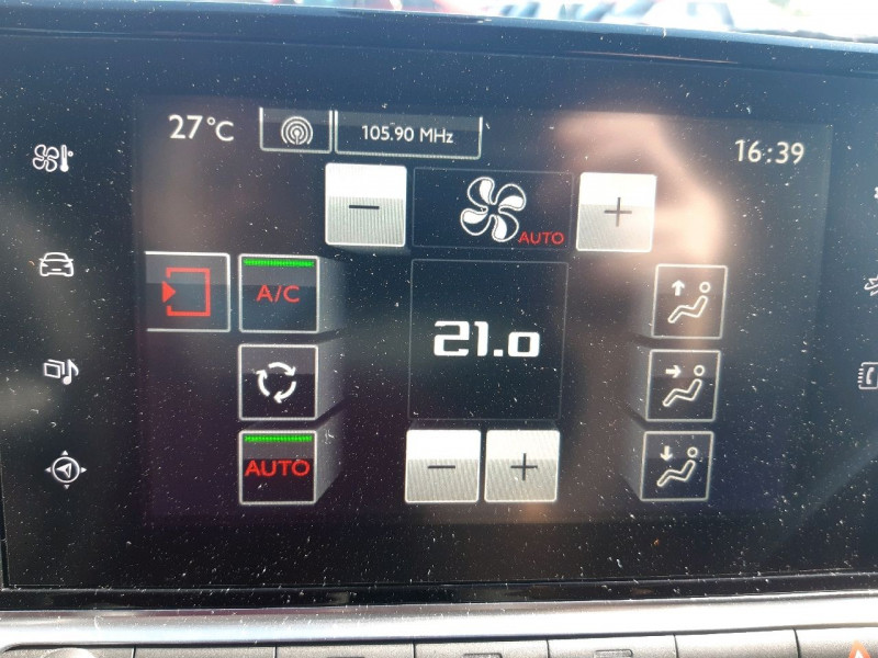 Photo 14 de l'offre de CITROEN C4 CACTUS BLUEHDI 100 SHINE à 9990€ chez Carlyss automobiles Vitré