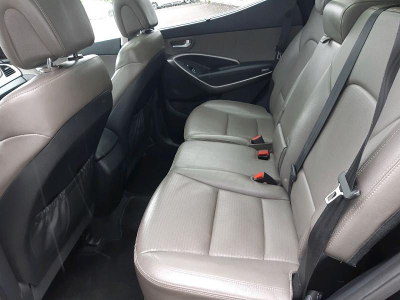 Photo 10 de l'offre de HYUNDAI SANTA FE 2.2 CRDI197 4WD PACK PREMIUM LIMITED BVA à 14990€ chez Carlyss automobiles Vitré