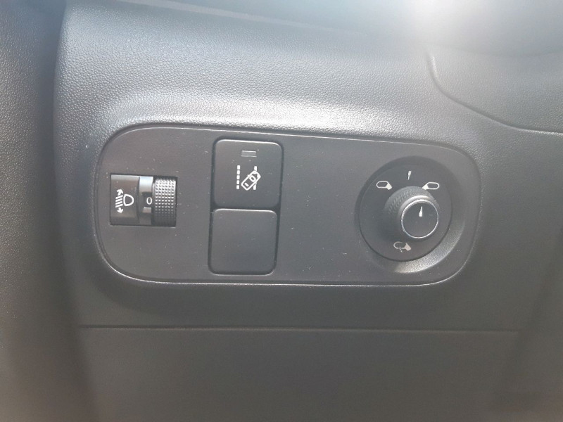 Photo 16 de l'offre de CITROEN C3 BLUEHDI 75CH SHINE BUSINESS S&S à 11990€ chez Carlyss automobiles Vitré