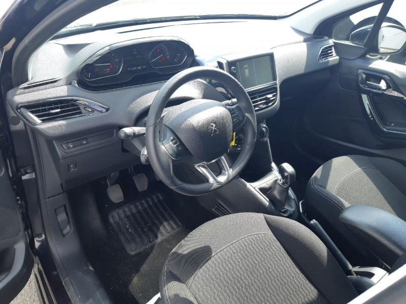 Photo 6 de l'offre de PEUGEOT 208 1.2 PURETECH 82CH ACTIVE 5P à 11990€ chez Carlyss automobiles Vitré