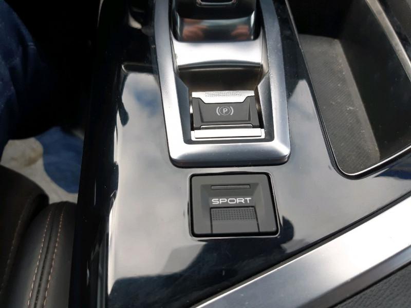 Photo 28 de l'offre de PEUGEOT 3008 2.0 BLUEHDI 180CH GT S&S EAT6 à 22990€ chez Carlyss automobiles Vitré