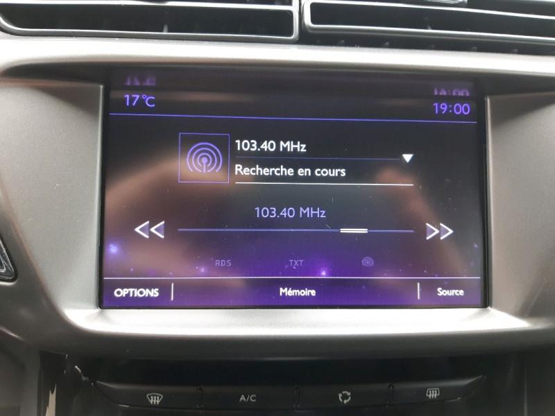 Photo 16 de l'offre de DS DS 3 PURETECH 110CH SPORT CHIC S&S EAT6 à 14990€ chez Carlyss automobiles Vitré