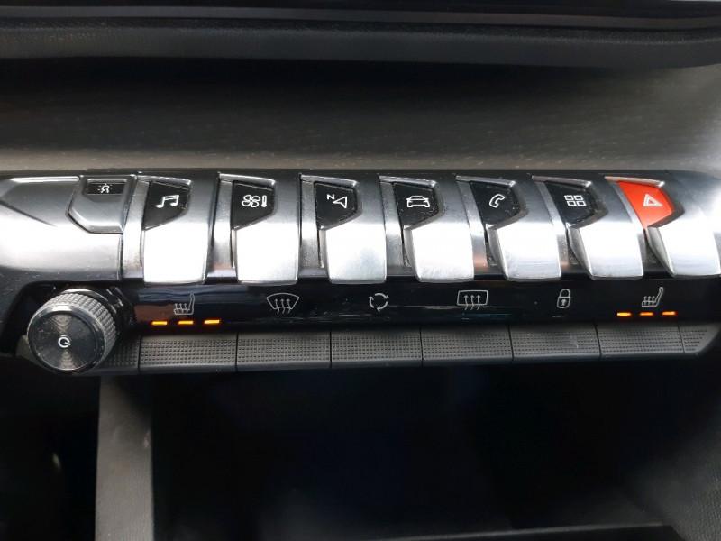 Photo 17 de l'offre de PEUGEOT 3008 2.0 BLUEHDI 180CH GT S&S EAT6 à 22990€ chez Carlyss automobiles Vitré