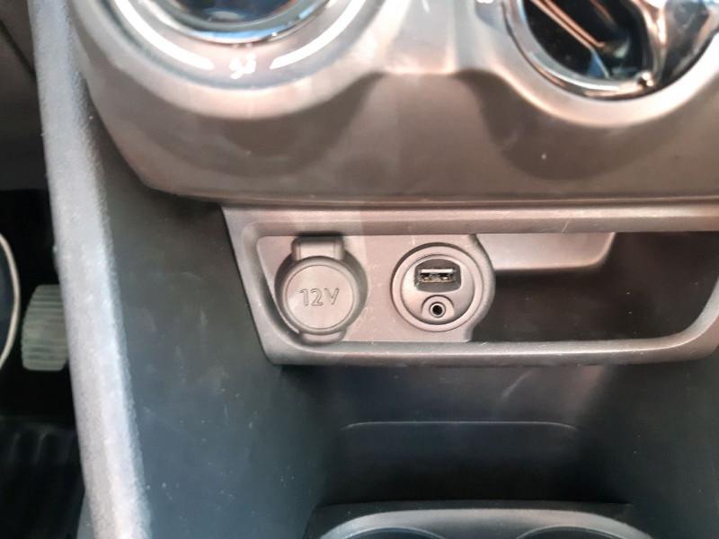 Photo 7 de l'offre de PEUGEOT 208 AFFAIRE 1.6 BLUEHDI 75CH PREMIUM PACK à 7490€ chez Carlyss automobiles Vitré