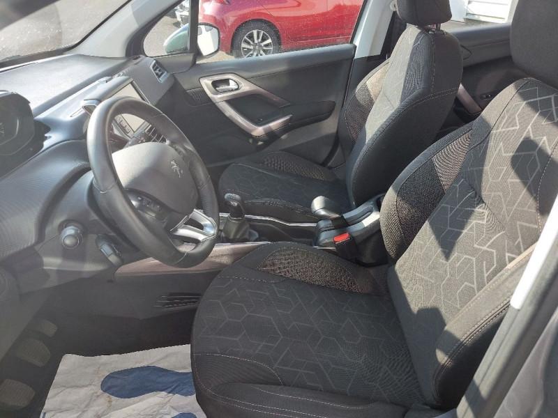 Photo 27 de l'offre de PEUGEOT 2008 1.2 PURETECH 110CH ACTIVE à 10990€ chez Carlyss automobiles Vitré