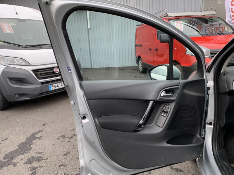 Photo 4 de l'offre de CITROEN C3 SOCIETE BLUEHDI 100 SetS CONFORT à 6990€ chez Centrale auto marché Périgueux