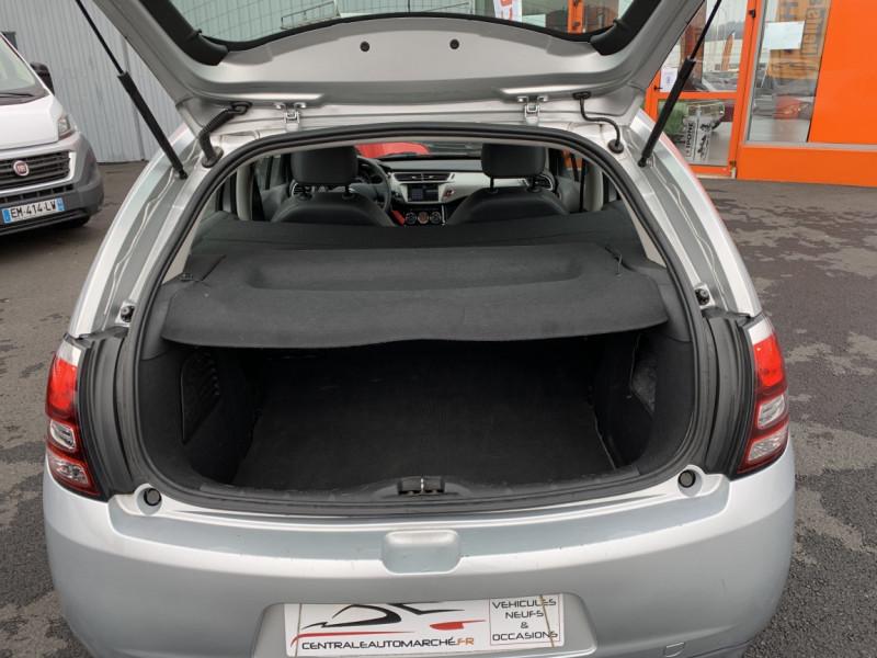 Photo 40 de l'offre de CITROEN C3 SOCIETE BLUEHDI 100 SetS CONFORT à 6990€ chez Centrale auto marché Périgueux
