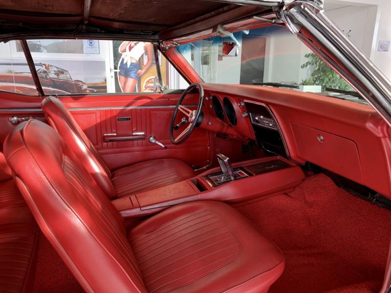 Photo 44 de l'offre de CHEVROLET CAMARO CABRIOLET RS/SS 396CI V8 BIG BLOC à 68000€ chez Centrale auto marché Périgueux