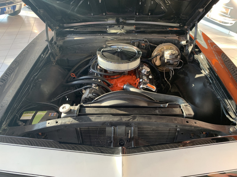 Photo 26 de l'offre de CHEVROLET CAMARO CABRIOLET RS/SS 396CI V8 BIG BLOC à 68000€ chez Centrale auto marché Périgueux