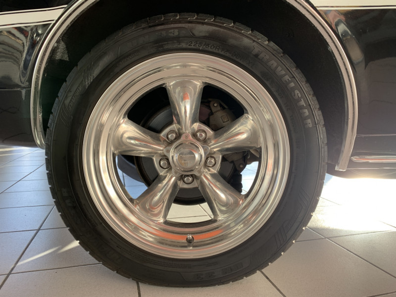 Photo 3 de l'offre de CHEVROLET CAMARO CABRIOLET RS/SS 396CI V8 BIG BLOC à 68000€ chez Centrale auto marché Périgueux