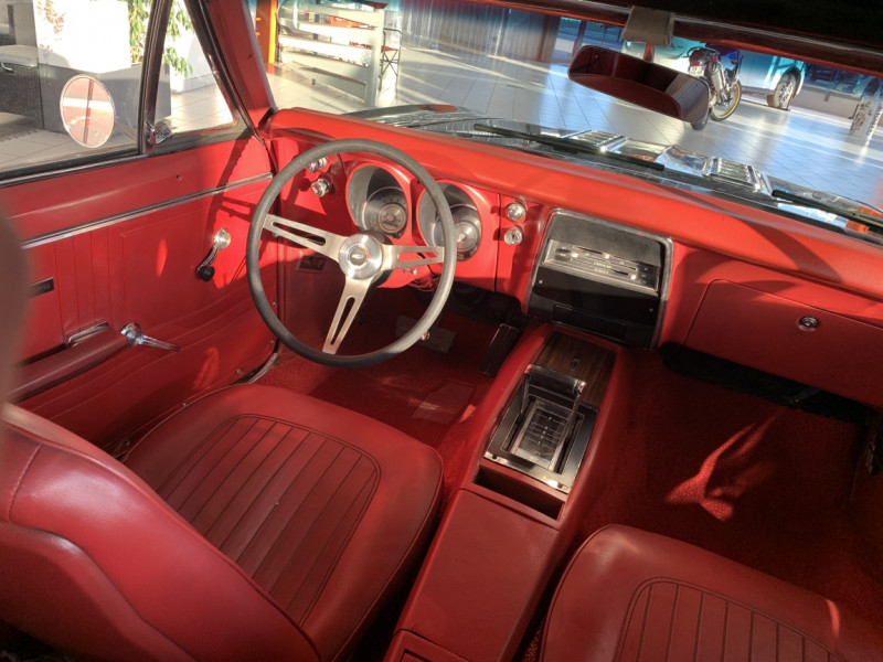 Photo 30 de l'offre de CHEVROLET CAMARO CABRIOLET RS/SS 396CI V8 BIG BLOC à 68000€ chez Centrale auto marché Périgueux