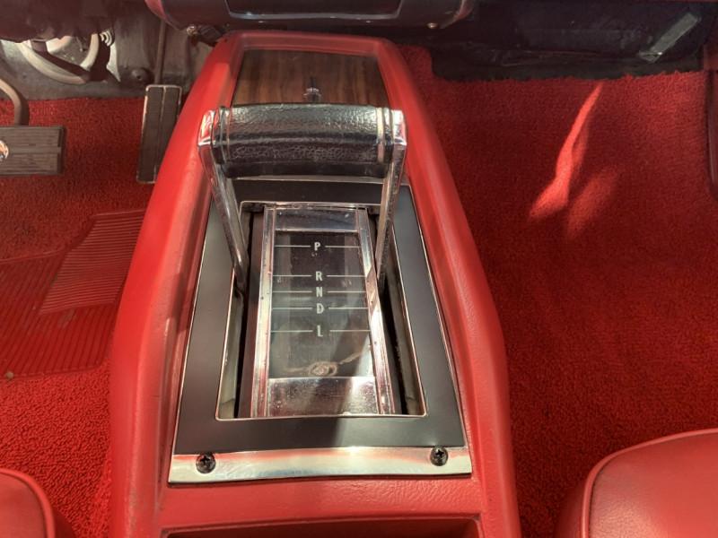 Photo 13 de l'offre de CHEVROLET CAMARO CABRIOLET RS/SS 396CI V8 BIG BLOC à 68000€ chez Centrale auto marché Périgueux