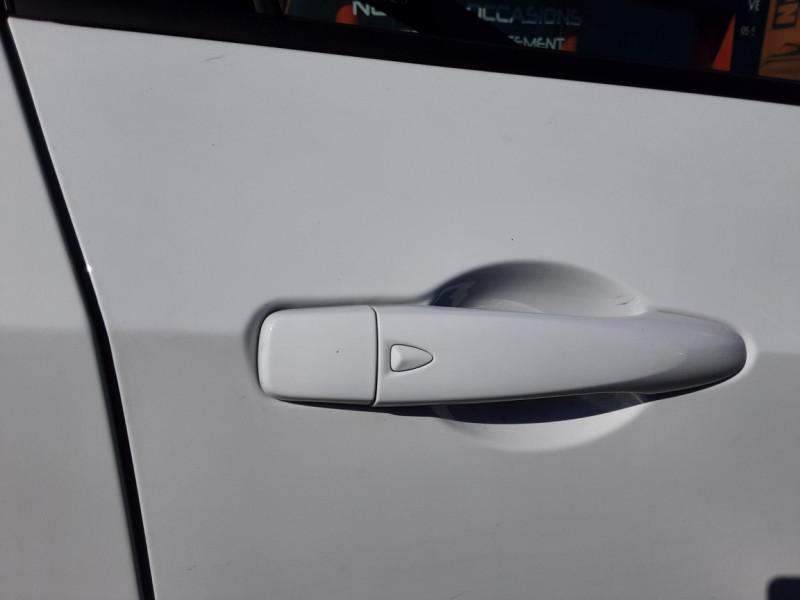 Photo 11 de l'offre de NISSAN MICRA IG-T 90 N-Connecta à 11990€ chez Centrale auto marché Périgueux