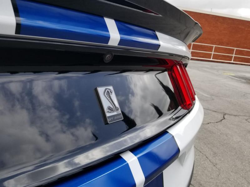 Photo 48 de l'offre de FORD MUSTANG SHELBY GT350 V8 5.2L à 78800€ chez Centrale auto marché Périgueux