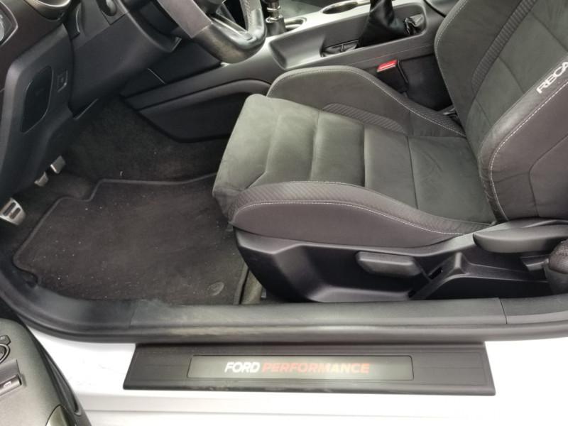 Photo 9 de l'offre de FORD MUSTANG SHELBY GT350 V8 5.2L à 78800€ chez Centrale auto marché Périgueux