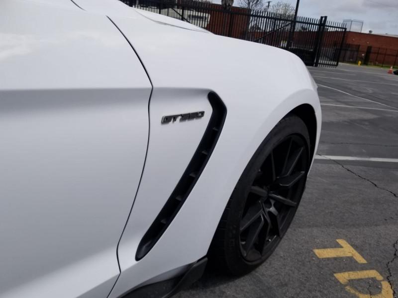 Photo 35 de l'offre de FORD MUSTANG SHELBY GT350 V8 5.2L à 78800€ chez Centrale auto marché Périgueux