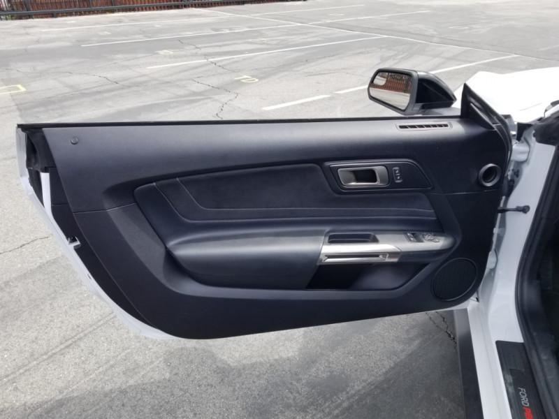 Photo 15 de l'offre de FORD MUSTANG SHELBY GT350 V8 5.2L à 78800€ chez Centrale auto marché Périgueux