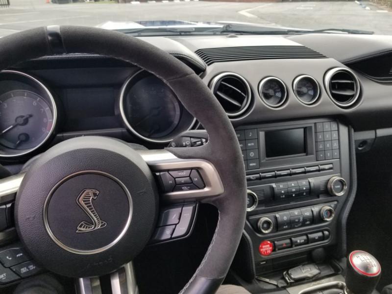 Photo 11 de l'offre de FORD MUSTANG SHELBY GT350 V8 5.2L à 78800€ chez Centrale auto marché Périgueux