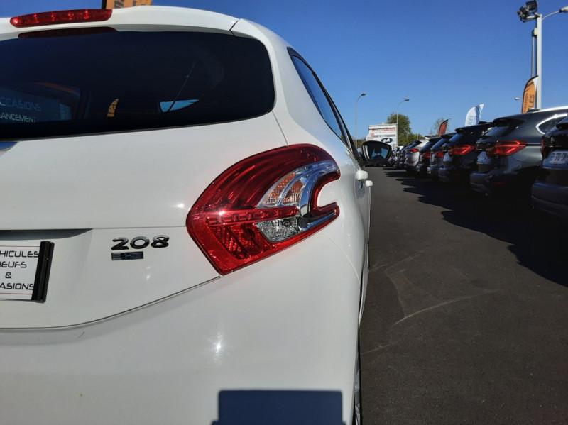 Photo 2 de l'offre de PEUGEOT 208 AFFAIRE 1.6 E-HDi 92 FAP BVM5 PACK CLIM CONFORT à 5990€ chez Centrale auto marché Périgueux