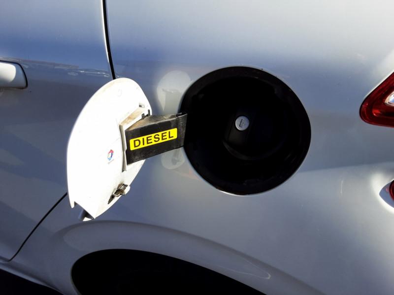 Photo 17 de l'offre de PEUGEOT 208 AFFAIRE 1.6 E-HDi 92 FAP BVM5 PACK CLIM CONFORT à 5990€ chez Centrale auto marché Périgueux