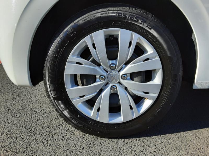Photo 8 de l'offre de PEUGEOT 208 AFFAIRE 1.6 E-HDi 92 FAP BVM5 PACK CLIM CONFORT à 5990€ chez Centrale auto marché Périgueux