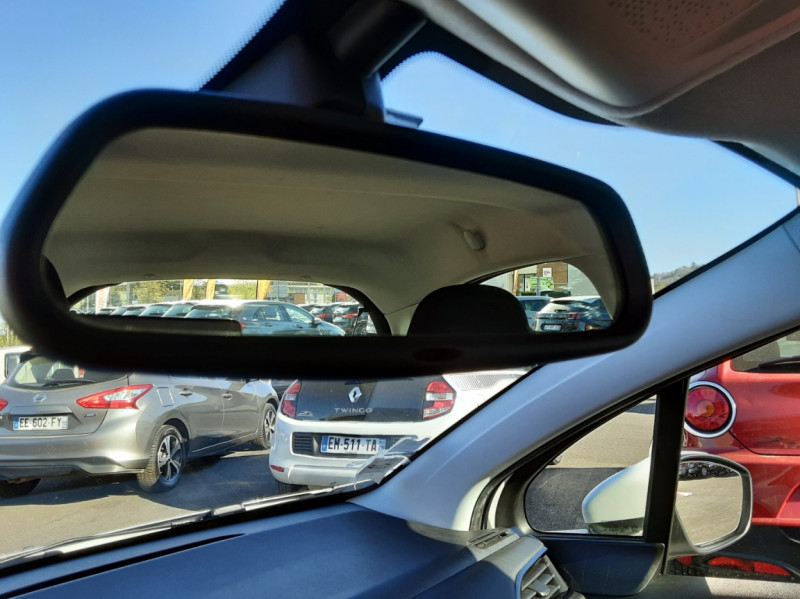 Photo 45 de l'offre de PEUGEOT 208 AFFAIRE 1.6 E-HDi 92 FAP BVM5 PACK CLIM CONFORT à 5990€ chez Centrale auto marché Périgueux