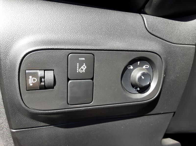 Photo 48 de l'offre de CITROEN C3 PureTech 82 SetS Business à 12890€ chez Centrale auto marché Périgueux
