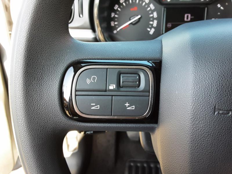 Photo 18 de l'offre de CITROEN C3 PureTech 82 SetS Business à 12890€ chez Centrale auto marché Périgueux