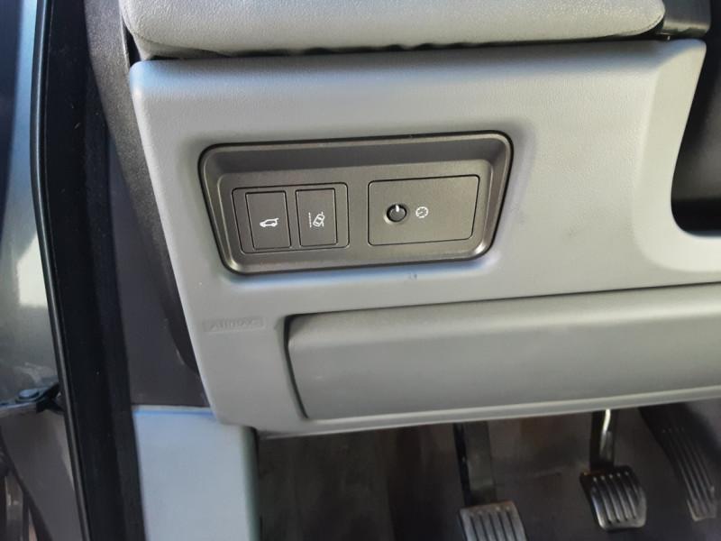 Photo 41 de l'offre de LAND-ROVER RANGE ROVER EVOQUE Mark IV eD4 150 2WD Executive à 23500€ chez Centrale auto marché Périgueux