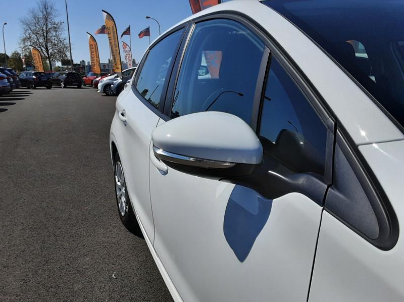 Photo 26 de l'offre de PEUGEOT 208 1.6 BlueHDi 75ch SetS BVM5 Active Business à 11200€ chez Centrale auto marché Périgueux