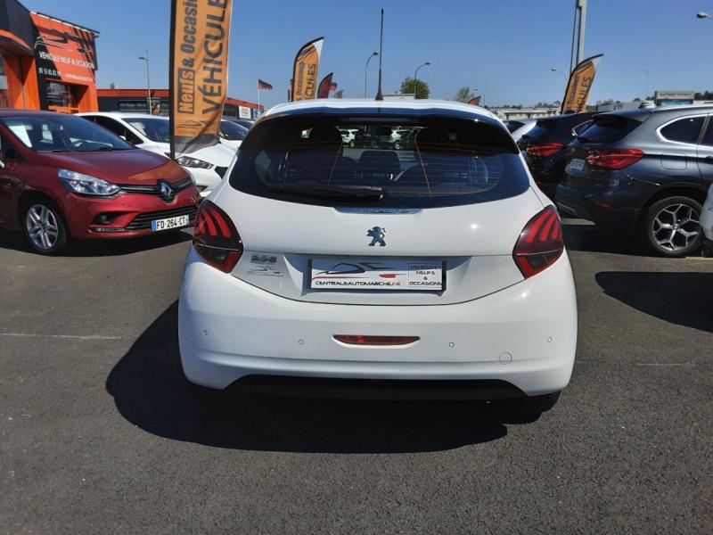 Photo 16 de l'offre de PEUGEOT 208 1.6 BlueHDi 75ch SetS BVM5 Active Business à 11200€ chez Centrale auto marché Périgueux