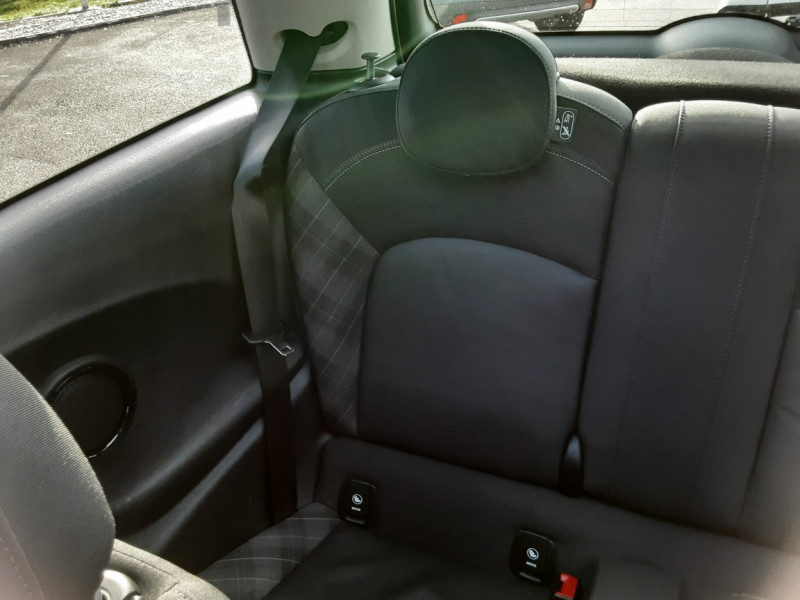 Photo 39 de l'offre de MINI MINI One D 95 ch Edition Blackfriars à 17990€ chez Centrale auto marché Périgueux