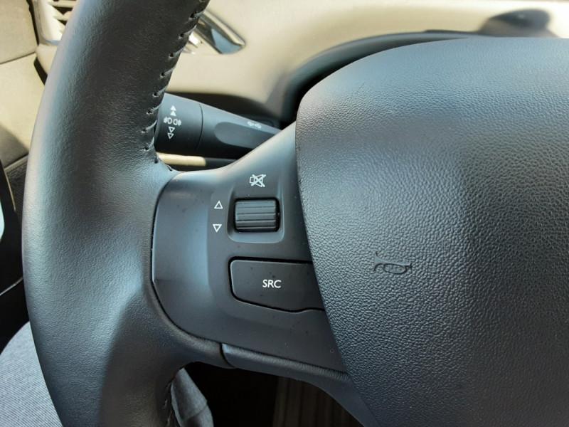 Photo 6 de l'offre de PEUGEOT 208 1.6 BlueHDi 75ch SetS BVM5 Active Business à 11200€ chez Centrale auto marché Périgueux