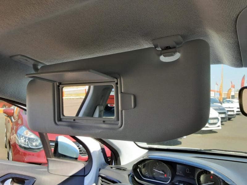 Photo 23 de l'offre de PEUGEOT 208 1.6 BlueHDi 75ch SetS BVM5 Active Business à 11200€ chez Centrale auto marché Périgueux