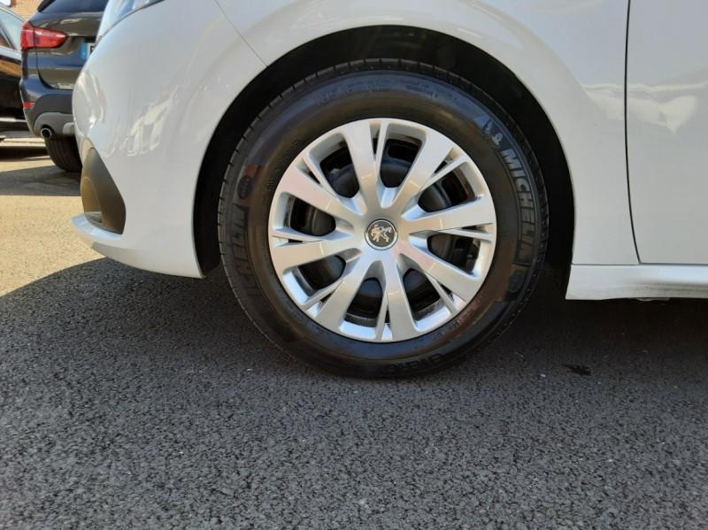 Photo 46 de l'offre de PEUGEOT 208 1.6 BlueHDi 75ch SetS BVM5 Active Business à 11200€ chez Centrale auto marché Périgueux