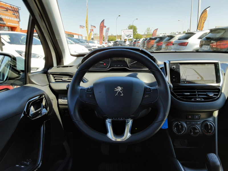 Photo 12 de l'offre de PEUGEOT 208 1.6 BlueHDi 75ch SetS BVM5 Active Business à 11200€ chez Centrale auto marché Périgueux