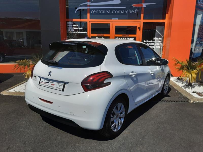 Photo 2 de l'offre de PEUGEOT 208 1.6 BlueHDi 75ch SetS BVM5 Active Business à 11200€ chez Centrale auto marché Périgueux