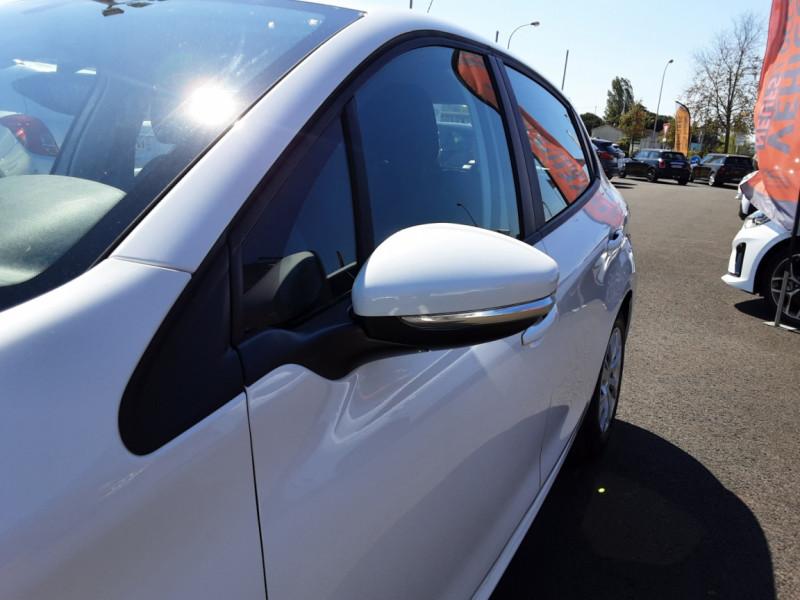 Photo 44 de l'offre de PEUGEOT 208 1.6 BlueHDi 75ch SetS BVM5 Active Business à 11200€ chez Centrale auto marché Périgueux