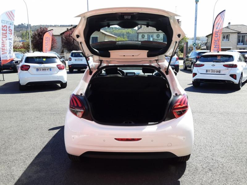 Photo 35 de l'offre de PEUGEOT 208 1.6 BlueHDi 75ch SetS BVM5 Active Business à 11200€ chez Centrale auto marché Périgueux