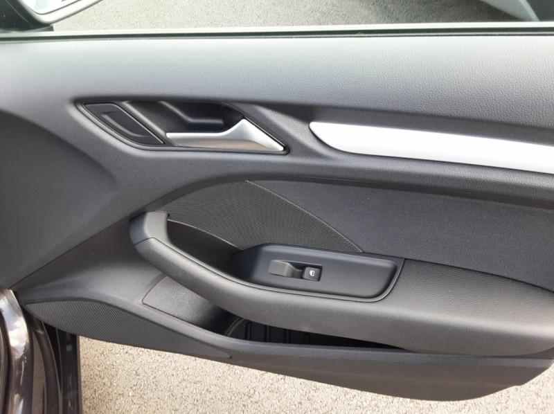 Photo 29 de l'offre de AUDI A3 Sportback 2.0 TDI 150 S tronic 6 Business Line à 20500€ chez Centrale auto marché Périgueux