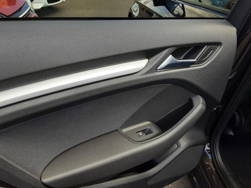 Photo 26 de l'offre de AUDI A3 Sportback 2.0 TDI 150 S tronic 6 Business Line à 20500€ chez Centrale auto marché Périgueux