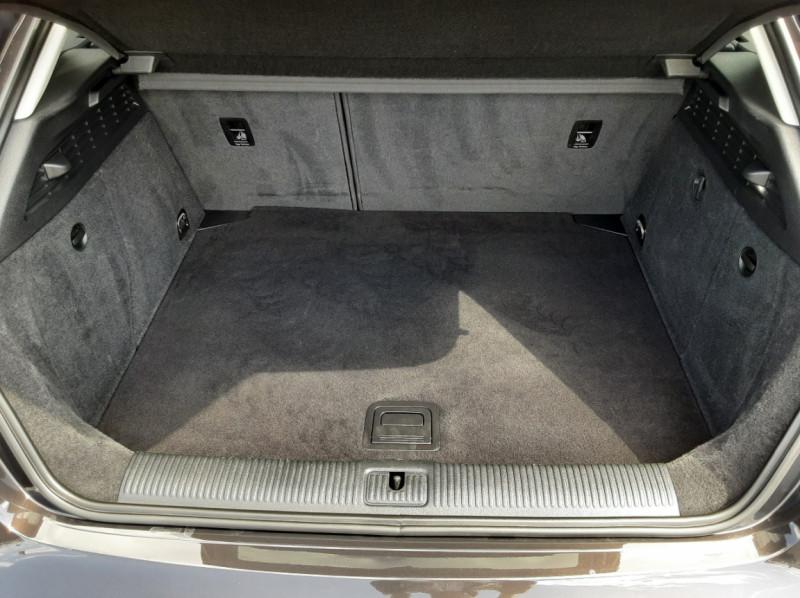 Photo 3 de l'offre de AUDI A3 Sportback 2.0 TDI 150 S tronic 6 Business Line à 20500€ chez Centrale auto marché Périgueux