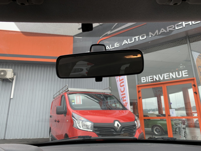 Photo 36 de l'offre de CITROEN C3 SOCIETE BLUEHDI 100 SetS CONFORT à 6990€ chez Centrale auto marché Périgueux